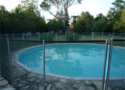 barri re de piscine la beethoven s curit enfant. Black Bedroom Furniture Sets. Home Design Ideas